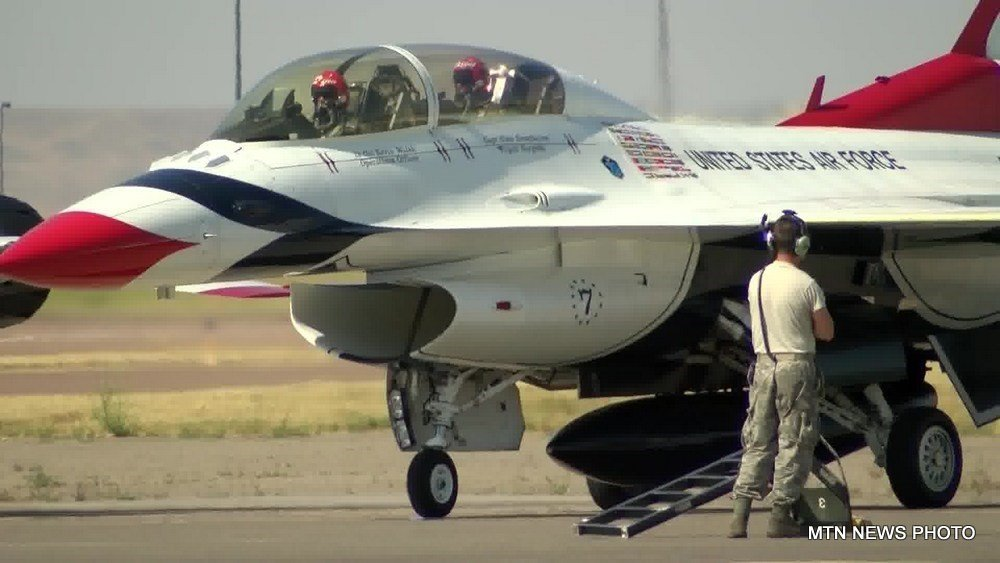 USAF Thunderbirds arrive in Great Falls. (MTN News photo)