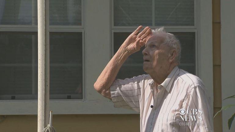 World War II veteran Howard Banks, 92, is legally blind, but his memory is sharp. (CBS photos)