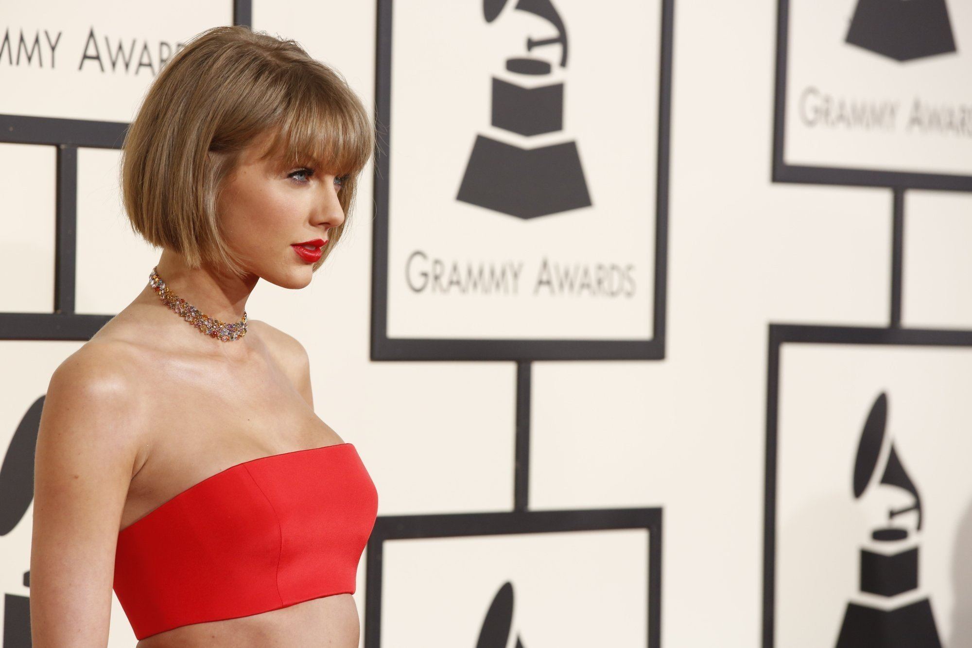 Lena Dunham praises Taylor Swift's 'fierce' court testimony