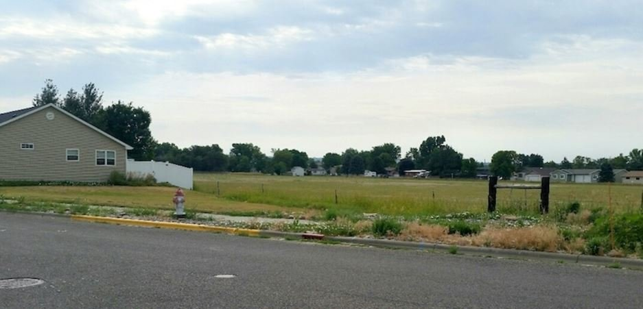 This is the proposed site for the development of Heights Senior, an affordable-housing project at Uinta Park Drive and Twin Oaks Drive, a little southwest of the intersection of Wicks Lane and Lake Elmo Drive.