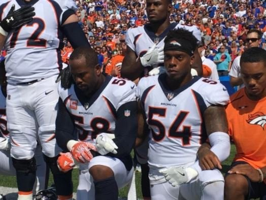Tyrod Taylor was laughing at Von Miller's