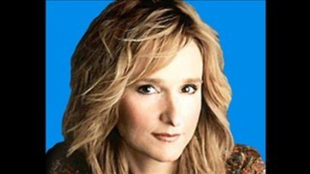 Singer Melissa Etheridge was charged with possession of a controlled substance after her tour bus was attempting to enter the United States from Canada at the Port of Entry.