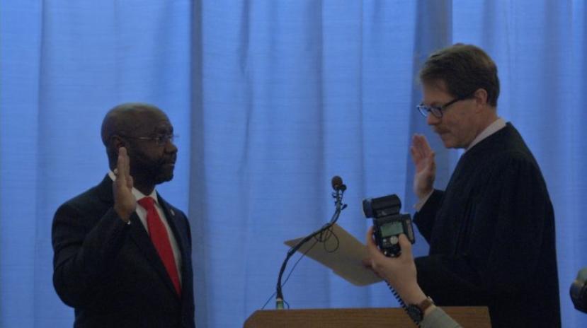 Wilmot Collins is sworn in as Helena mayor. (MTN News)