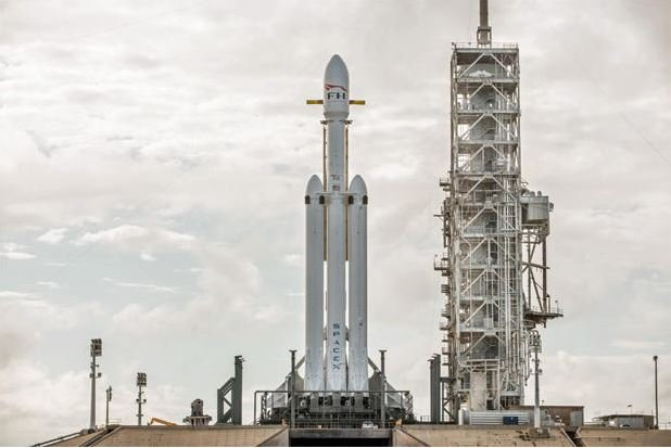 SpaceX launches secret satellite on 1st flight of year