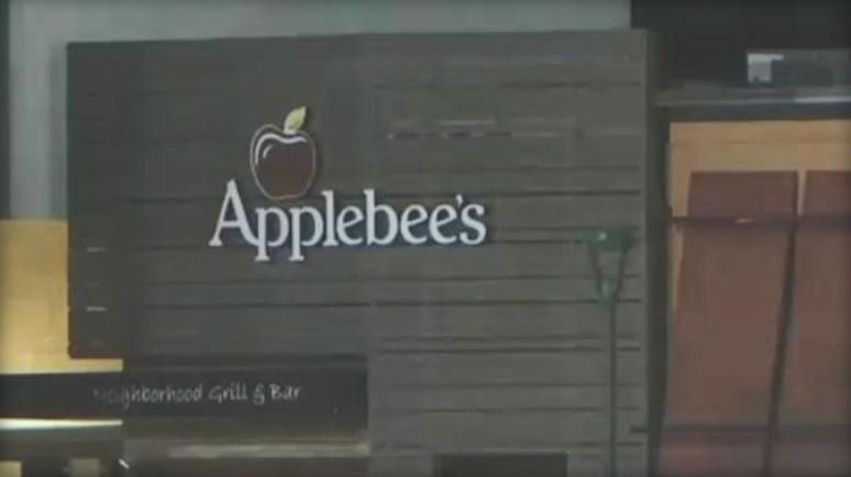 The Applebee's restaurant in Independence Center mall in Independence, Missouri / KCTV