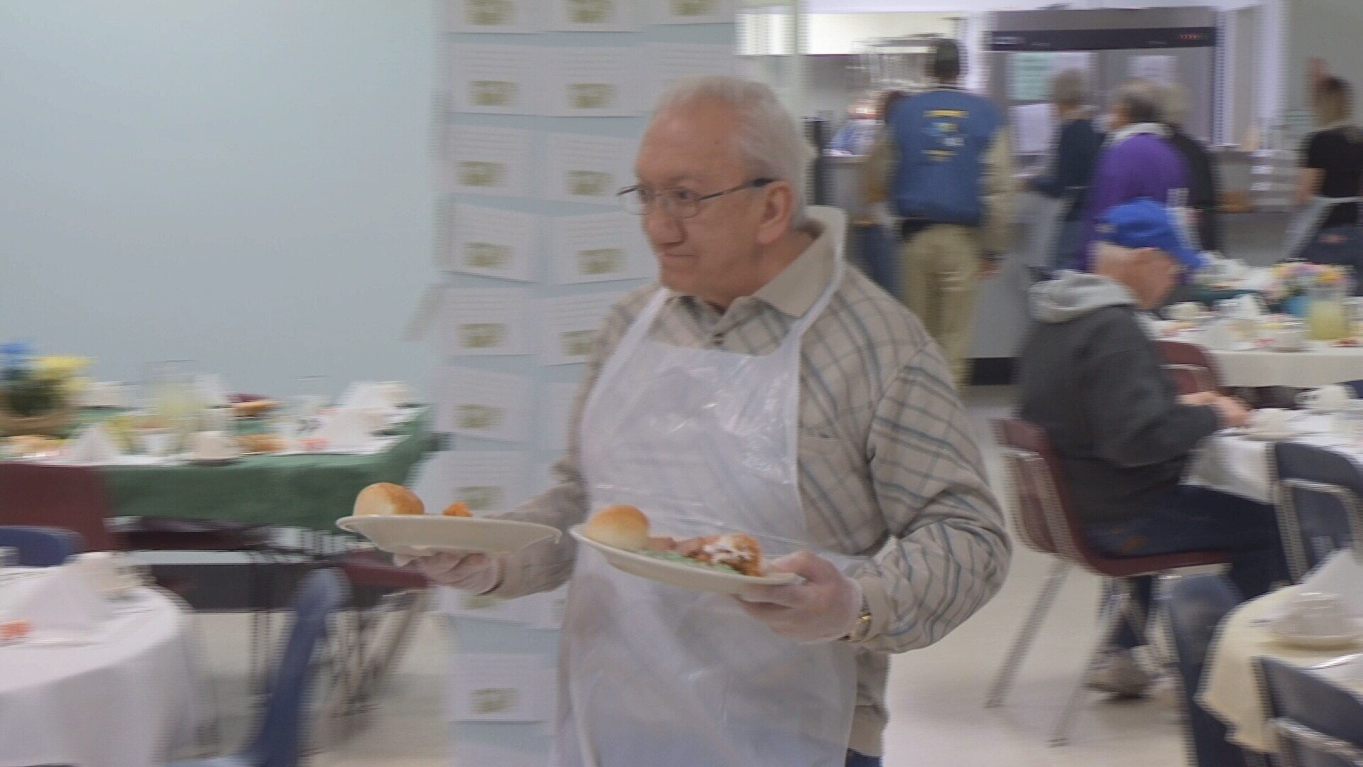 Duluth Harbor Mission Provides Easter Dinner