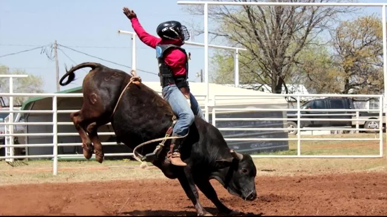 Ryder Carpenetti of Alabama on the mini-bulls. MTN News.