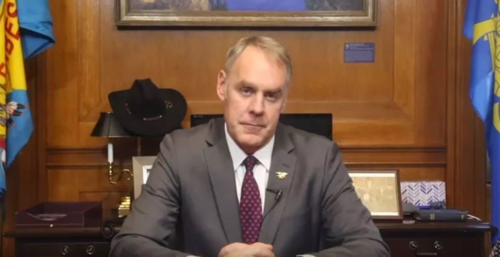 The Zinkes' dealings with Halliburton chairman David Lesar raise questions of the appearance of a conflict of interest. (File photo)